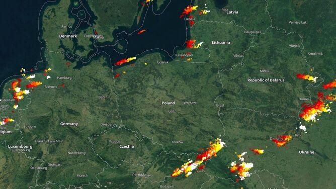 Ciemne chmury nad Polską. Sprawdź, gdzie jest burza