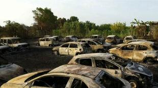 """We Włoszech """"jak w szybkowarze"""". W pożarze spłonęło kilkadziesiąt aut"""